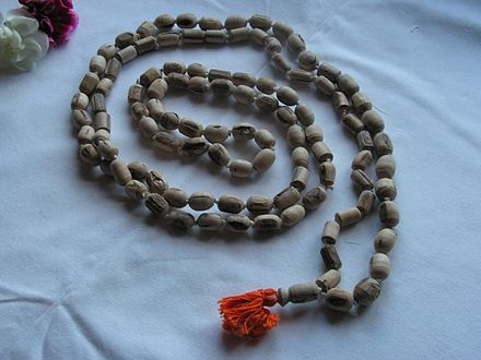 Japa_mala_(prayer_beads)_of_Tulasi_wood_with_108_beads_-_20040101-02
